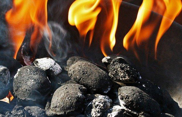 Kúrenie uhlím.jpg